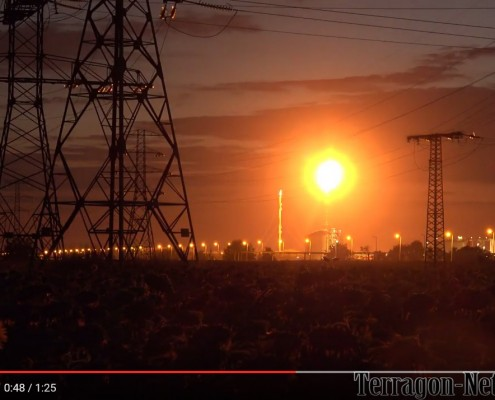 Night-Impressions of a Power / Oil Production plant (2017 HD)